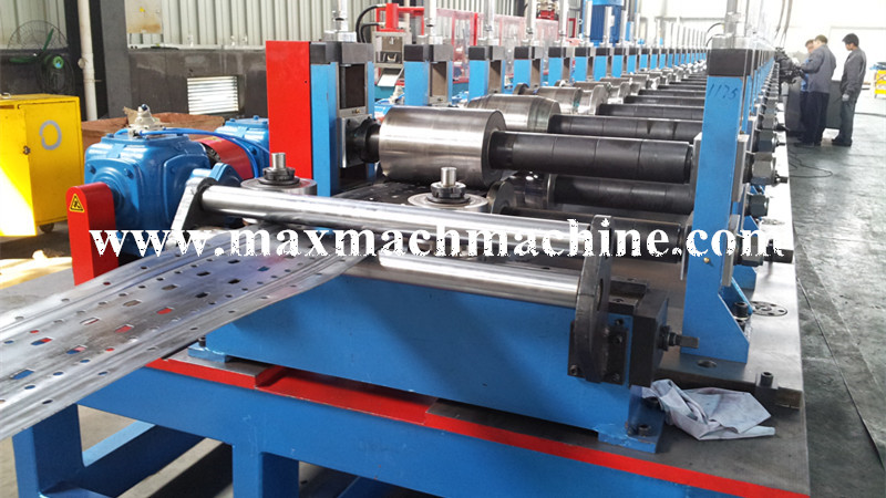 Shelving & racking roll forming machine